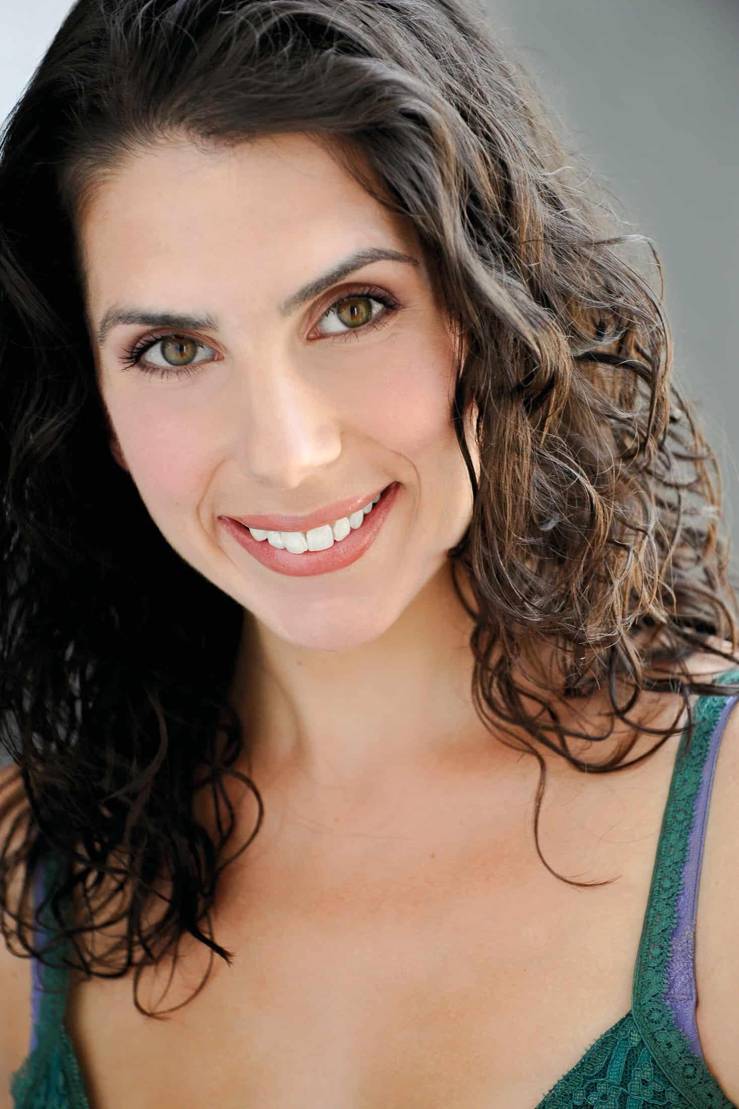Headshots NYC - Actor Headshots Amanda T