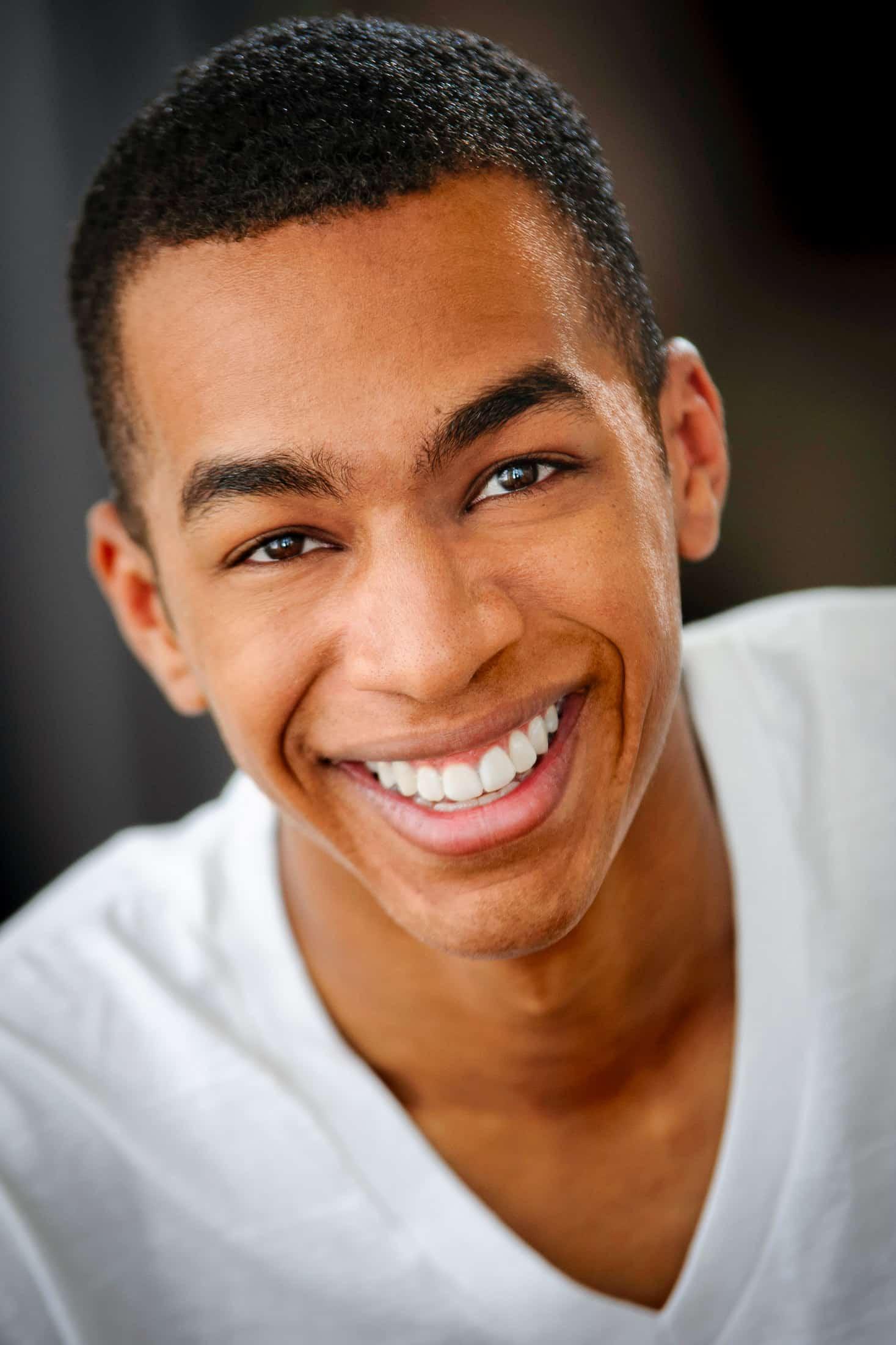 Headshots NYC - Actor Headshots Dorian M
