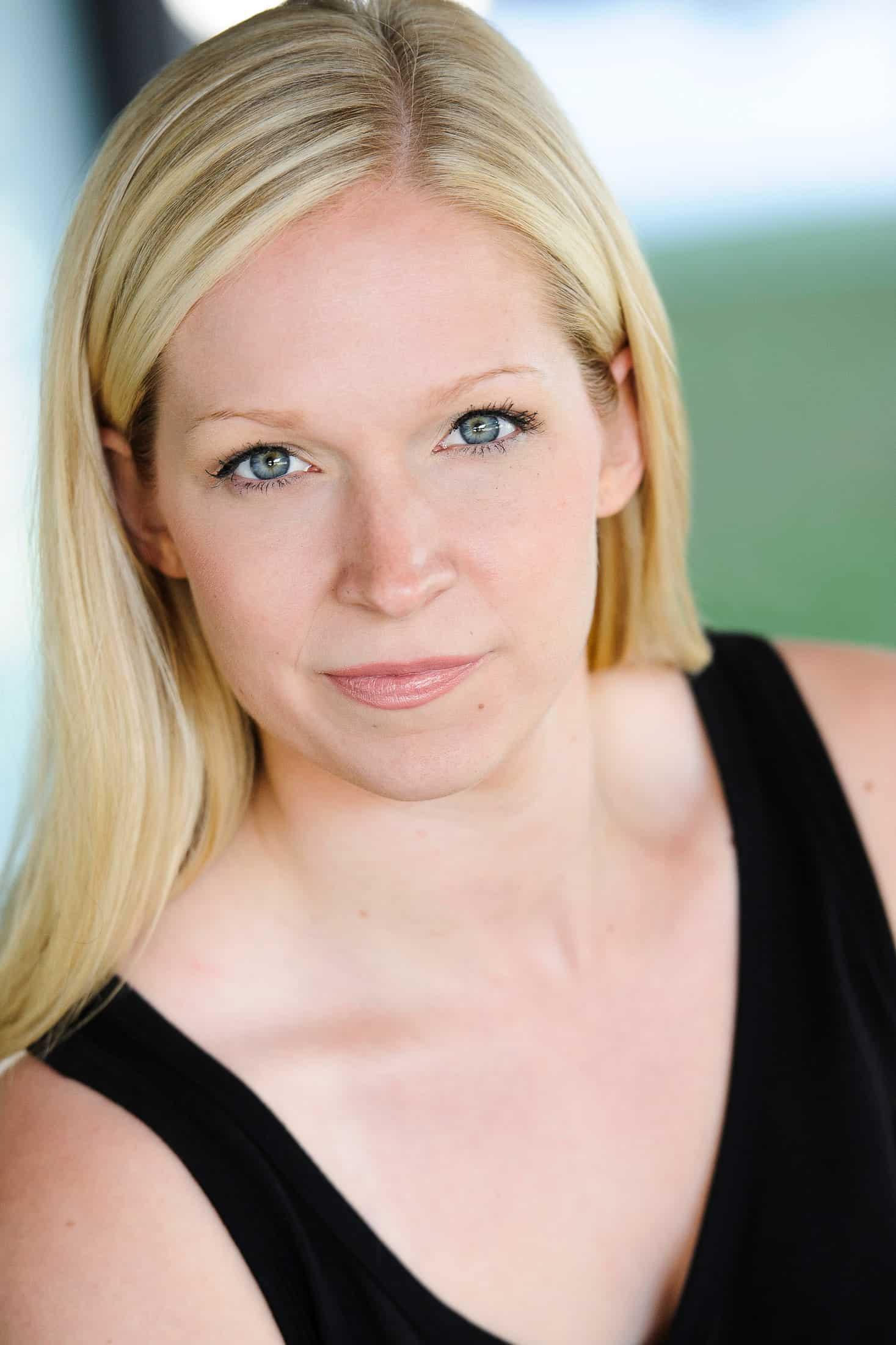 Headshots NYC - Actor Headshots Natalie G