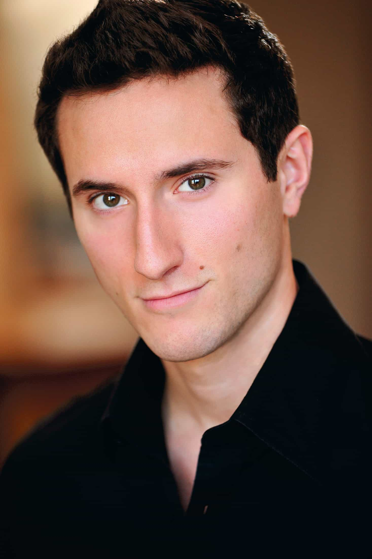 Headshots NYC - Actor Headshots Noah L