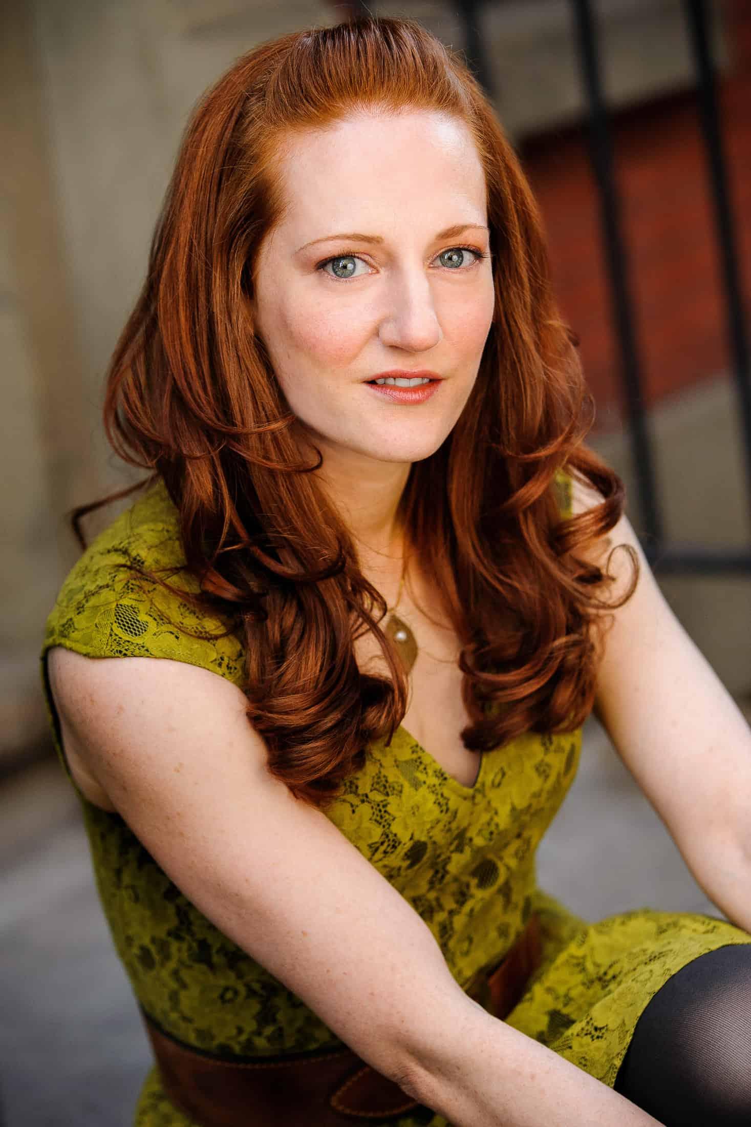 Headshots NYC - Actor Headshots Rebecca W